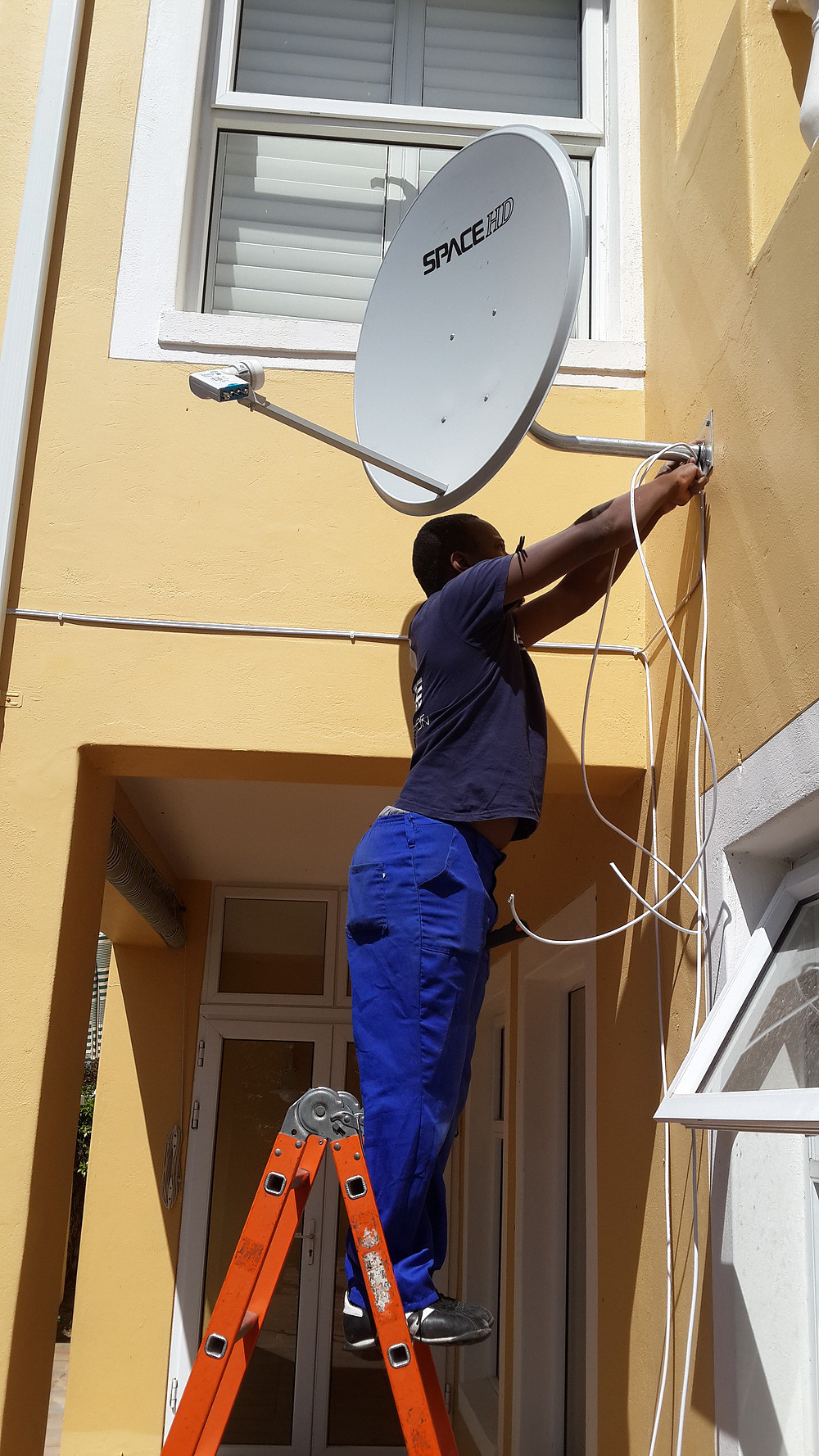 Installations can only be done by DStv Accredited Installers
